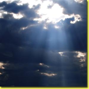 duygular-cikmaz-sokagi-dark-clouds